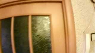 Наличники межкомнатных дверей прибиты гвоздями(Не ожидал, что так жестоко можно поступить с ламинированной дверью :-) Хотя бы декоративные заглушки ставили..., 2012-10-03T03:16:03.000Z)