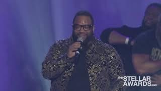 Hezekiah Walker performing Jesus is my help, power belongs to god, every praise.