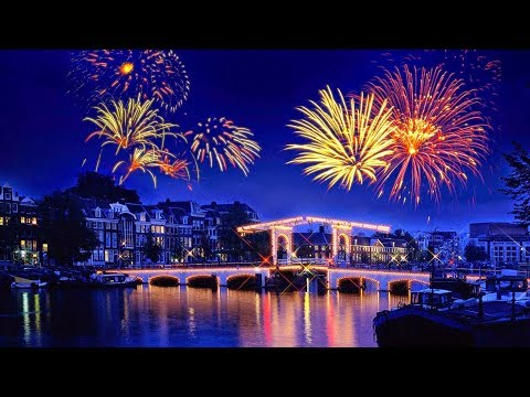 UNBELIEVABLE NEW YEAR LIGHT SHOW 2K18 @ Europe como