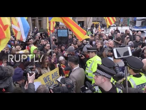 UK: Catalan politician denounces 'politically motivated' extradition outside court