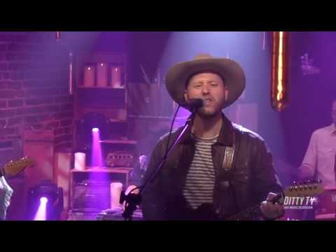 """Great Peacock Perform """"Miss You Honey"""" On DittyTV"""