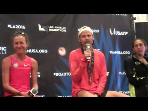 The athletes offer a tribute to Meb after the 2016 Olympic Marathon Trials
