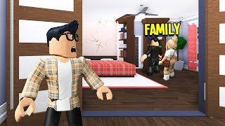 Rich Family Had An Evil Secret.. I Got Adopted & EXPOSED It! (Roblox Bloxburg)