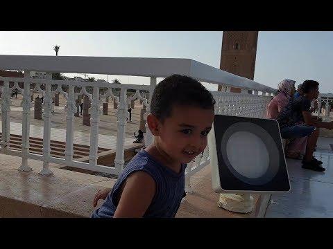 نوفل الصغير مستمتع بوقته  في صومعة حسان