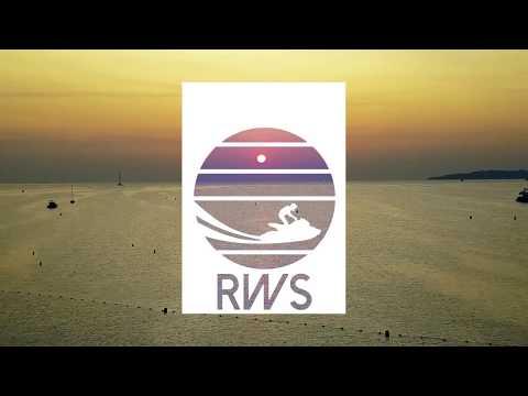 Base Nautique Riviera Water Sports sur la plage de Port Grimaud