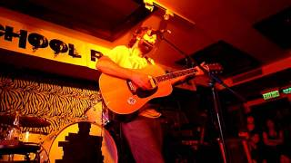 Neil Halstead - Queen Bee (Live in HK)