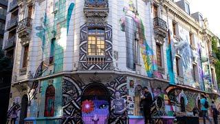 """Mural del @bar_liguria en #Lastarria. """"Que no callen las manos"""""""