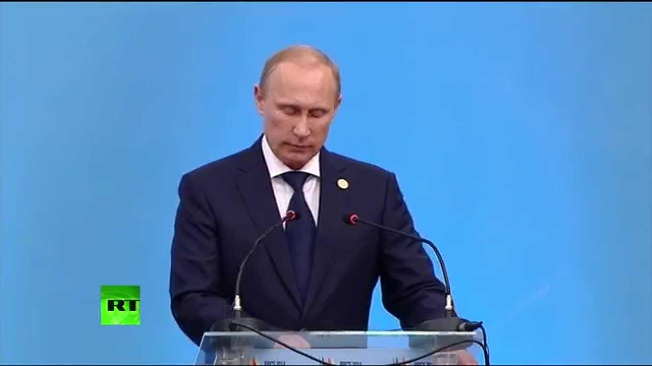 Владимир Путин принимает участие во встрече лидеров БРИКС