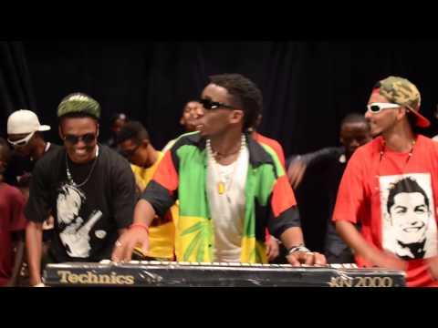 """صولة ملك التقفيل """"نيجيري"""" حفلة المسرح القومي - أمدرمان thumbnail"""