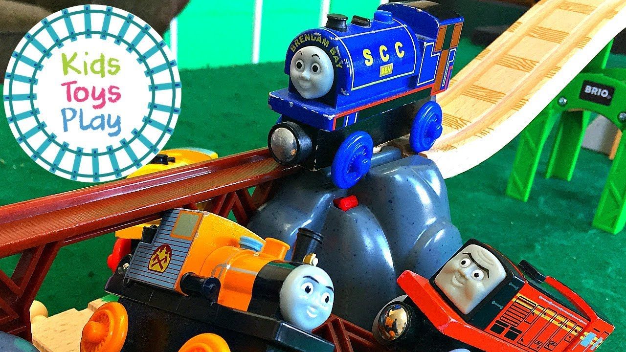 Thomas & Friends Mystery Wheel Downhill Toy Train Races | Thomas the Train Wooden Railway Crashes