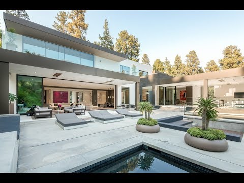 Incredible  House in Beverly Hills