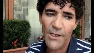 Repeat youtube video Carceri, detenuto denuncia i furti degli agenti e viene pestato