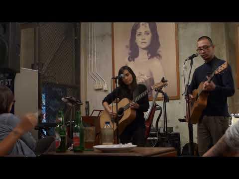 Fia X Duta Pamungkas - Menjemput Pagi (Acoustic Showcase on Paviliun 28)