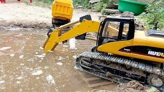Excavator videos for children Xe máy xúc múc cát dưới nước