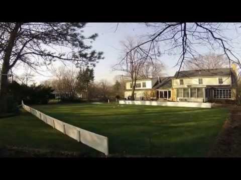 Un papa qui construit une patinoire dans son jardin youtube for Avoir une poule dans son jardin