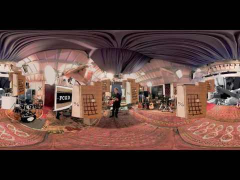 Paul McCartney 'Dance Tonight [Pure McCartney VR]'