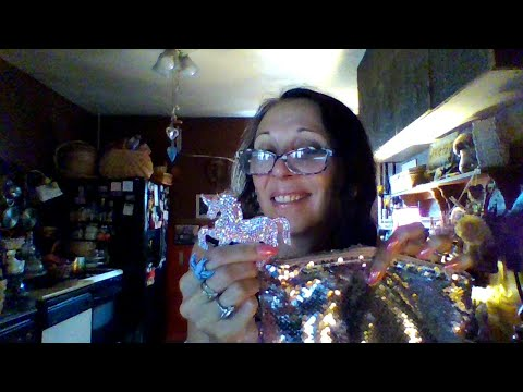 Whats In My Bag? Sequin Pouch Update~Miladyleela