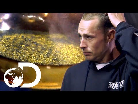 Finding $15,000 Worth of Gold...But There's a Problem  Gold Divers