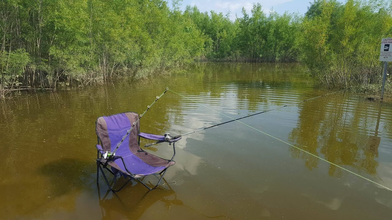 DIY Redneck Fishing Rod Holders  How to turn a folding