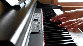椎名林檎のカーネーション。NHKの朝ドラ主題歌でしたね。 弾く、歌うの...