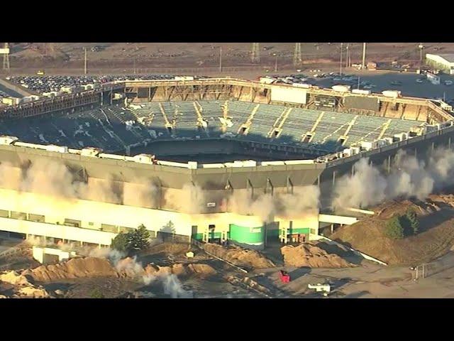 pontiac-silverdome-still-standing-after-demolition-attempt