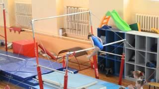 Спортивная гимнастика. 3 взрослый разряд у девочек. Брусья.