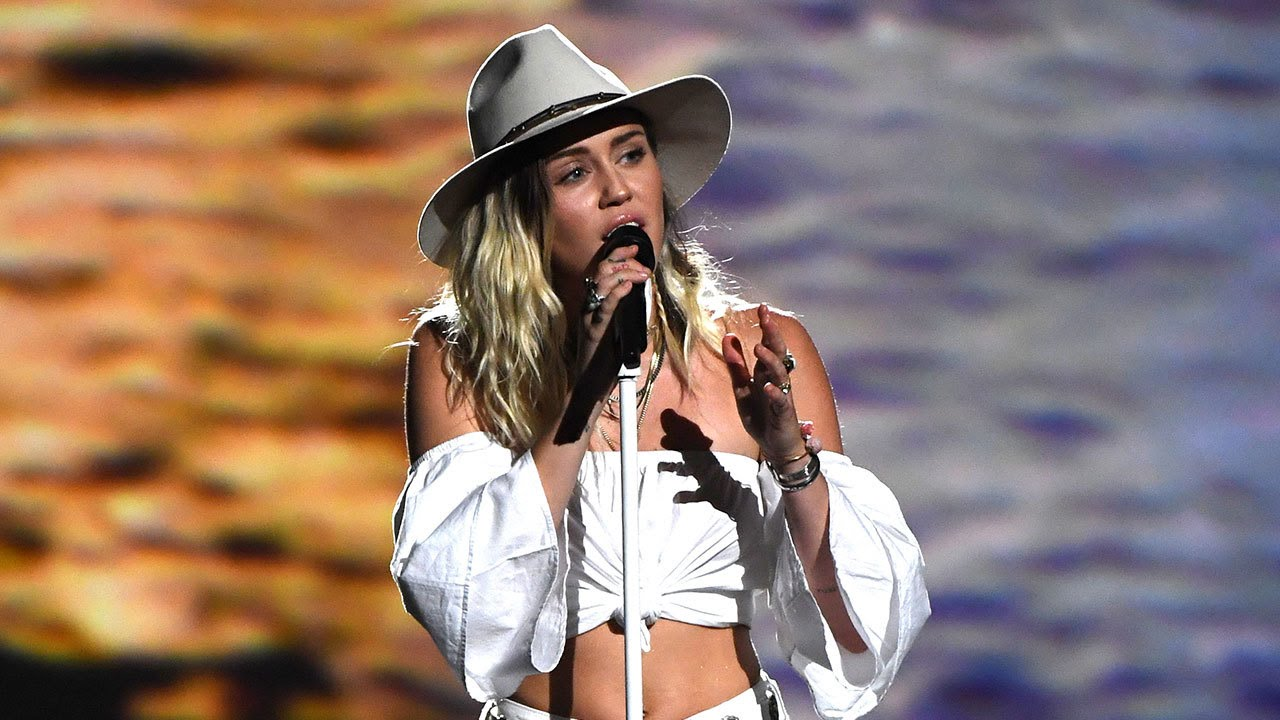 Image result for miley cyrus vma 2017