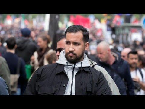 من هو ألكسندر بينالا الحارس الشخصي لماكرون الذي أبرح متظاهرا ضربا ؟…  - نشر قبل 39 دقيقة