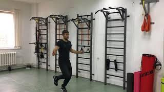 Быстрые тренировки по фитнесу у себя дома. Прыжки на скакалке и подтягивание на турнике!