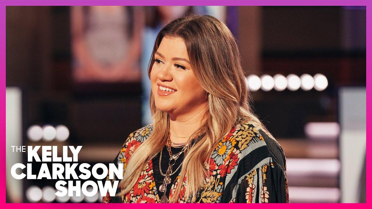 Kelly Clarkson Wants A Spot On The Moon