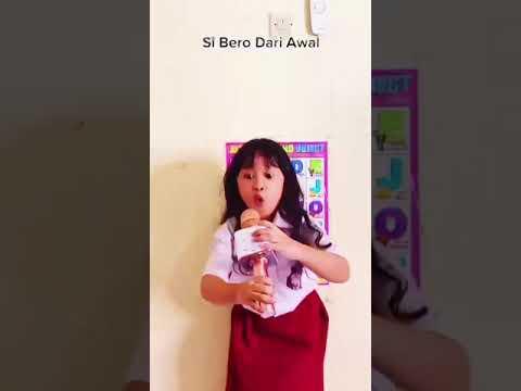 Download menyanyi di depan kelas