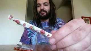 SMOKING A JOINT AS FAST AS I CAN!!