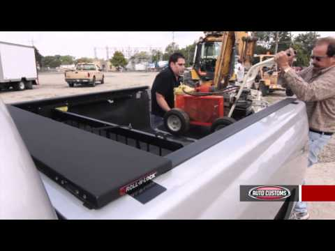 Ford Super Duty Pictures - Roll-N-Lock M-Series Tonneau Cover Product Review at AutoCustoms.com