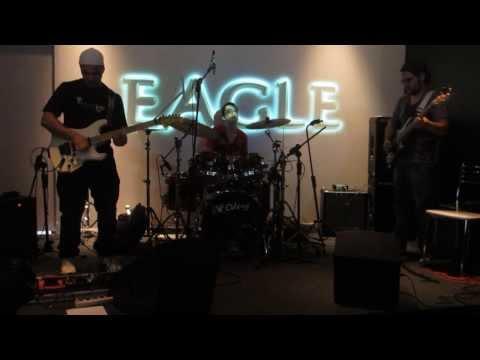 Cacá Barros Trio Expomusic 2013 - Searching Joe Satriani