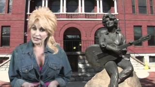 Dolly Talks About Her Statue