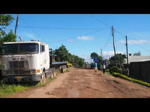 P3225218   Slechte weg in Blantyre