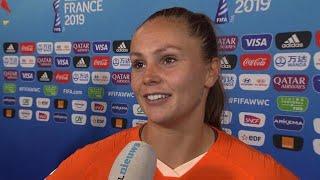 """Oranjeleeuwinnen door het dolle na Nederland - Japan: """"Dit is echt bizar, oh my god"""""""