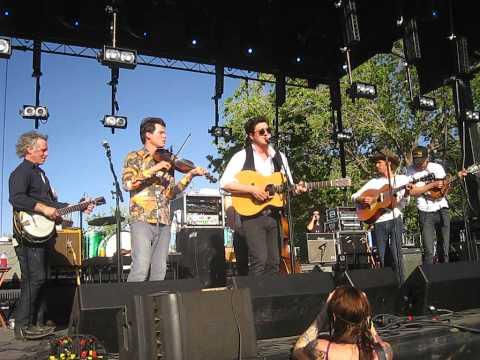 Old Crow Medicine Show- Take 'em Away (live w/ Marcus Mumford in Marfa, TX)