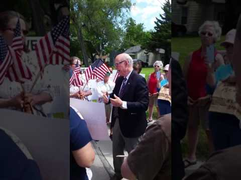 Senator Pat Roberts speaks with voters about health care concerns