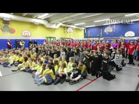 Video: Students at #Niwot Elementary School celebrate Mwebaza day with songs