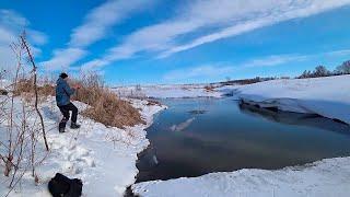СВЕРШИЛОСЬ!! Весенние приключения на лесной речке! Первая рыбалка, ловля щуки весной!