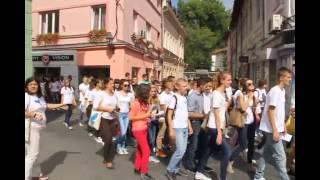 Tuzla - Omladina iz BiH, Hrvatske i Srbije odala pocast ubijenim na tuzlanskoj Kapiji