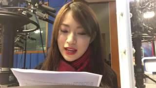 Khánh Vy đọc bản tin bằng giọng ba miền