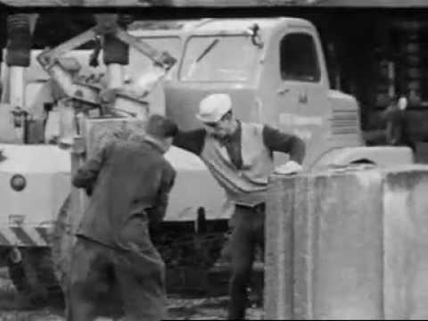 Bouw van de berlijnse muur 1961 youtube - Muur van de ingang ...