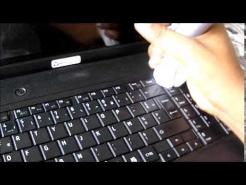 comment nettoyer un clavier de votre ordinateur youtube. Black Bedroom Furniture Sets. Home Design Ideas