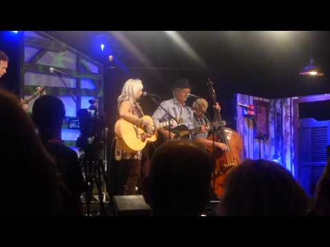 Emmylou Harris & Rodney Crowell - The Rock of My Soul - Music City Roots