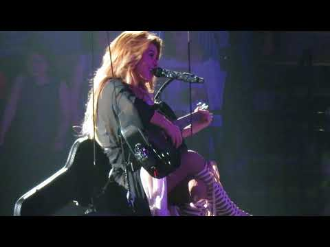 Shania Twain - You're Still The One  5-15-2018  St Paul