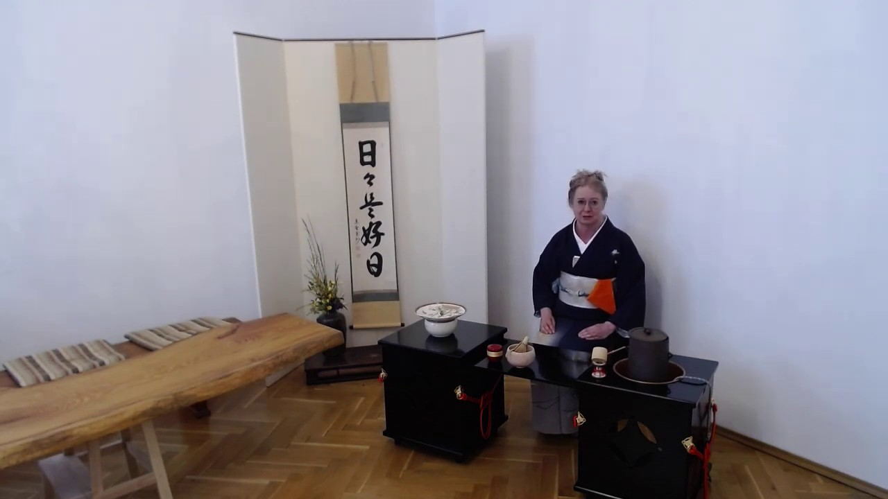 Video Darja Kawasumiová o japonském čajovém obřadu