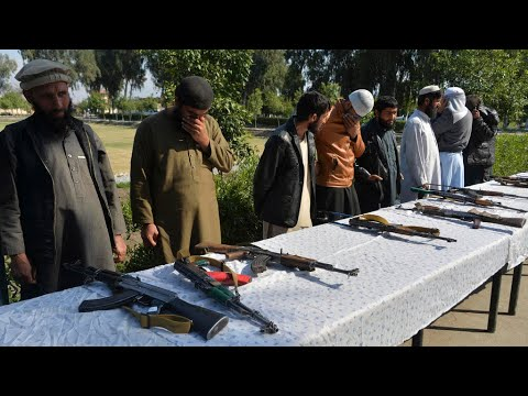 حركة طالبان تعلن وقف إطلاق النار لمدة ثلاثة أيام بمناسبة عيد الفطر  - نشر قبل 17 ساعة