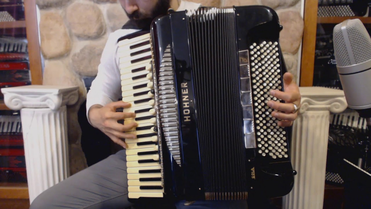3423 - Black Hohner Gola Piano Accordion LMMH 45 191 $11999